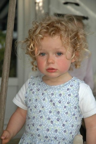Anaïs (Boucles d'or pour les intimes) ako apo (deux ans)